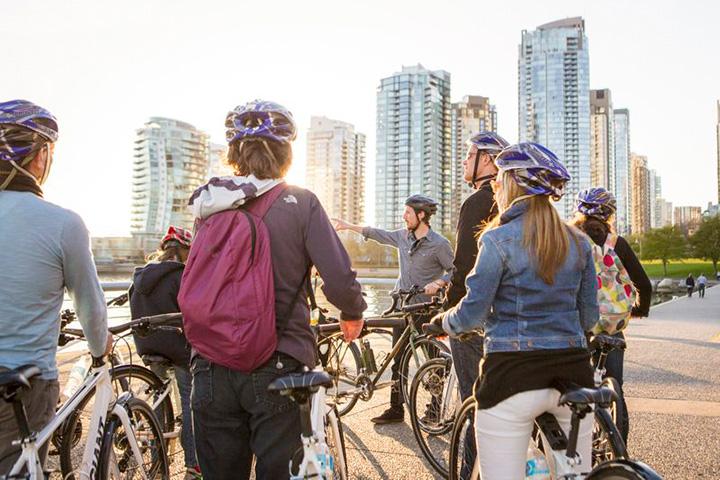 Vancouver Cycle City Tour Gruppe mit Fahrraedern