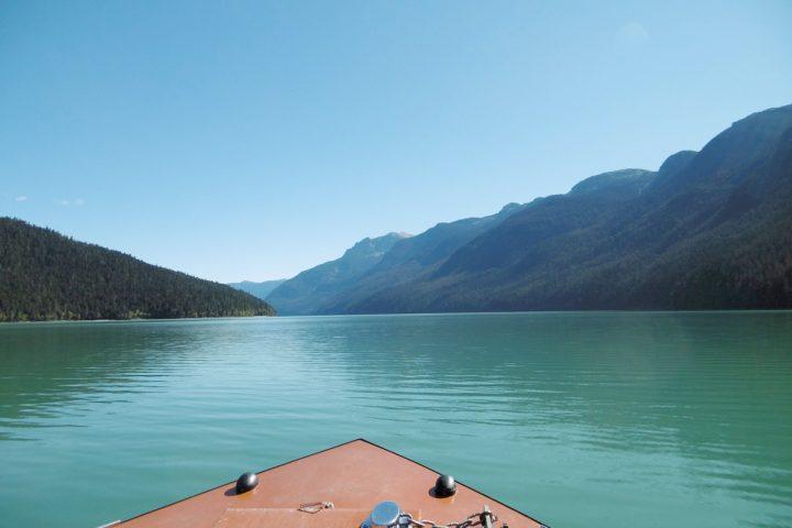 Bootstour auf dem tuerkisblauen See