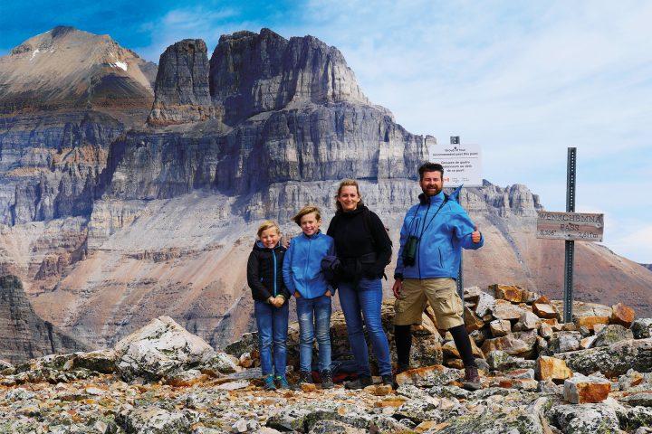 Familie Evenkamp auf dem Eiffel Lake Trail