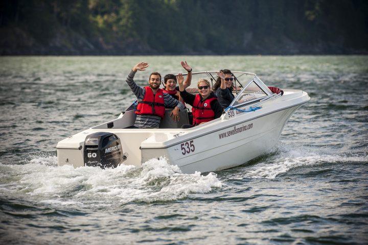 Ausflug mit dem Mietboot von Sewells Marina