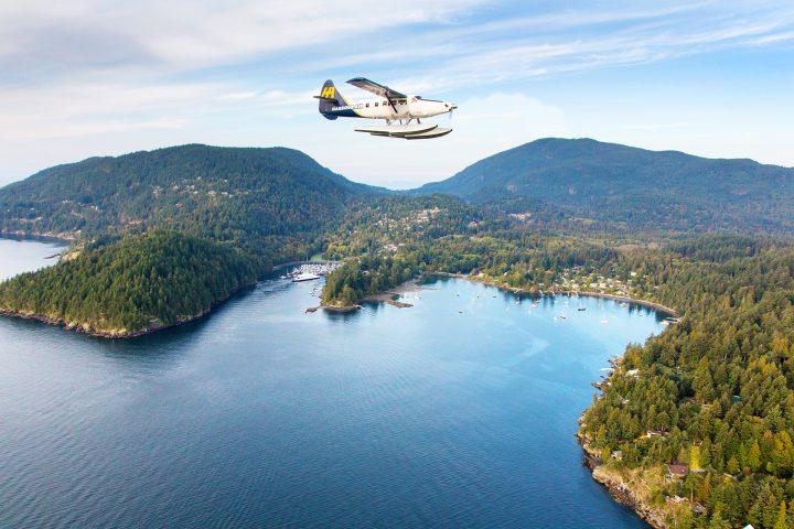 Seaplane beim Anflug auf Bowen Island
