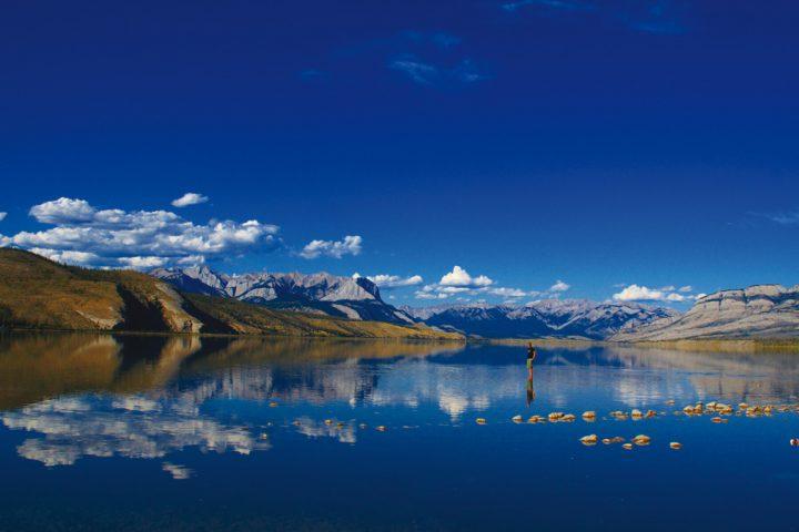 Spiegelung von Bergen im See
